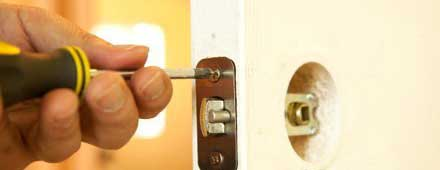 Woodland Hills Lock And Key Woodland Hills, CA 818-736-0446